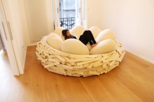 Дизайнеры предлагают на выбор три варианта декора подушек