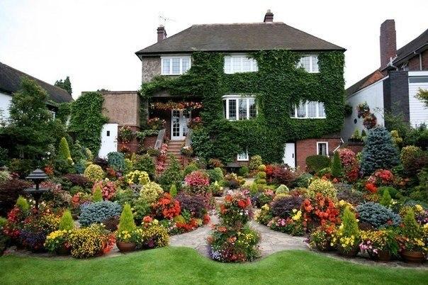 Уютный семейный сад