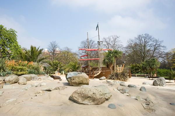 Садовник для памятного сада принцессы Дианы