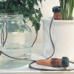 Капельница для автоматического полива комнатныx растений