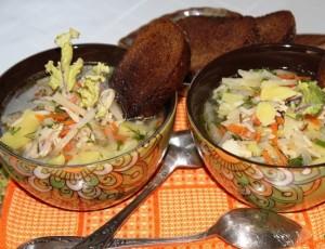 Куриный суп с рисом и кольраби