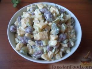 Салат из фасоли с огурцом и яблоками