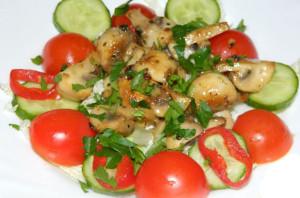 Салат к шашлыку с шампиньонами