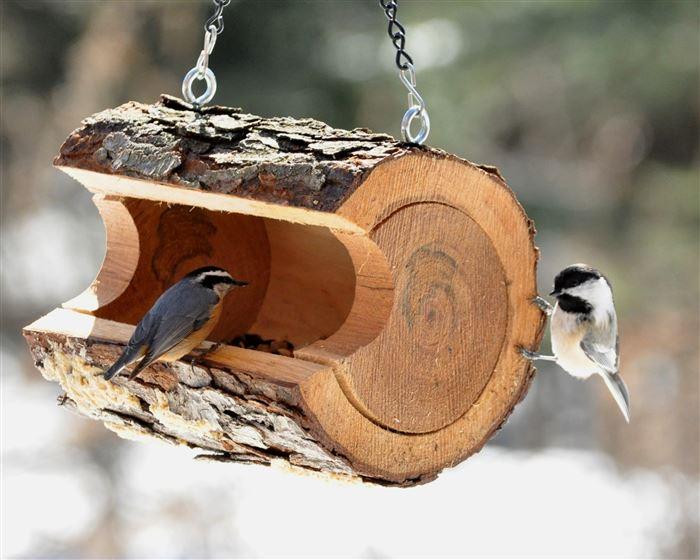 Как сделать из дерева кормушку